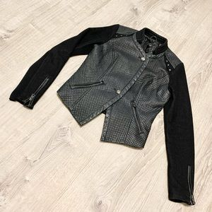 GUESS LOS ANGELES PATENT FAUX LEATHER JACKET SMALL
